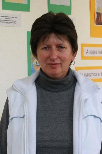 Tari Lászlóné
